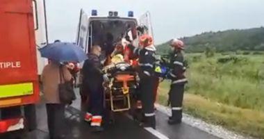 VIDEO / Plan Roşu de intervenţie după un ACCIDENT GRAV! Circulația, blocată complet!
