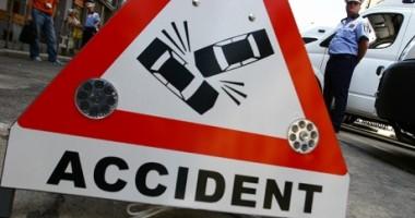 Trei maşini implicate într-un accident, la Mangalia