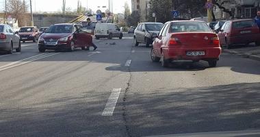 Accident rutier!  A întors pe linia continuă  şi a rămas fără permis