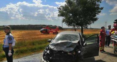 ACCIDENT RUTIER GRAV! Un mort și 18 răniți după impactul între un microbuz și 5 mașini