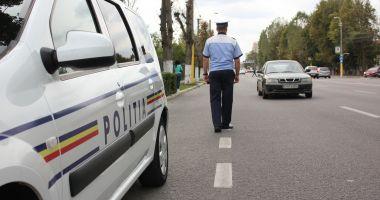 Autocar plin cu pasageri, implicat într-un accident rutier