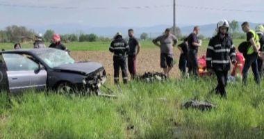 GRAV ACCIDENT RUTIER! Un şofer a murit pe loc! Soţia sa, în stare gravă