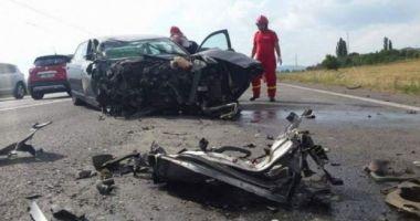 Tânăr de 19 ani, cu permisul suspendat pentru viteză, a murit într-un teribil accident
