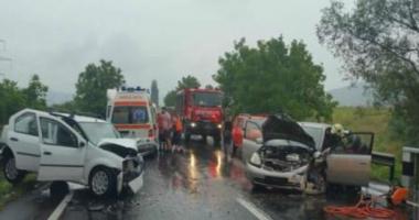 Grav accident rutier pe DN 7, din cauza oboselii. Sunt 5 victime!