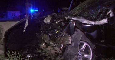 ACCIDENT GRAV! Cinci VICTIME, după ce o maşină s-a izbit violent de un cap de pod