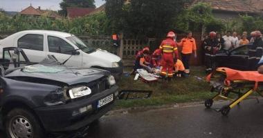 ACCIDENT RUTIER GRAV, după ce un şofer de 60 de ani nu a acordat prioritate într-o intersecţie