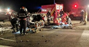 ACCIDENT CUMPLIT! Doi oameni au murit, alţi şase au ajuns la spital