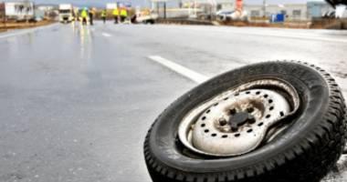 Grav accident de microbuz. Doi morţi şi cinci răniţi, pe autostradă!