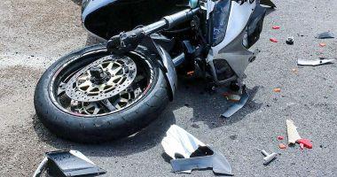 Bărbat de 30 de ani, mort după ce a căzut de pe motocicletă