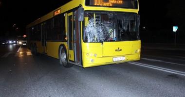 Bărbat rănit grav de un autobuz pe trecerea de pietoni
