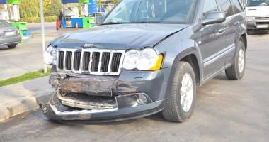Vezi aici cine e şoferul Jeep-ului care a produs accidentul de la Far
