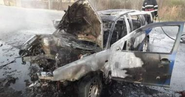 Accident teribil! Un şofer a murit după ce a intrat cu maşina într-un pom