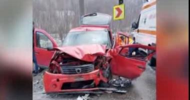 Grav accident rutier! O femeie a murit şi trei bărbaţi au fost răniţi