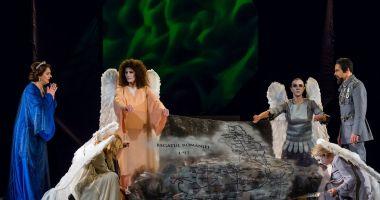 """Actorii de la Teatrul de Stat vă invită la """"Inima Reginei Maria"""""""