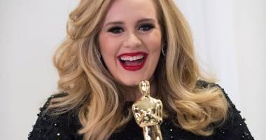 Adele s-a despărţit de iubitul ei