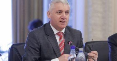 Ţuţuianu: Dragnea contestă completele de judecători în speranţa că va fi extras acela dispus să-i facă jocul murdar