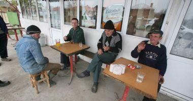 """Interviuri de angajare pentru beneficiarii de ajutoare sociale! Primar: """"Sunt apţi de muncă"""""""