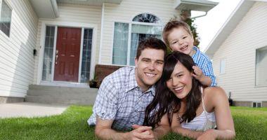 """Programul """"O familie, o casă"""", pus în dezbatere publică"""
