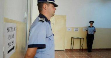 Votantă din Constanţa, prinsă în timp ce încerca să să introducă în urnă mai multe buletine de vot