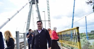 Podul Agigea, şase ani de lucrări şi garanţie cât un telefon. Câtă incompetenţă zace în instituţiile statului?