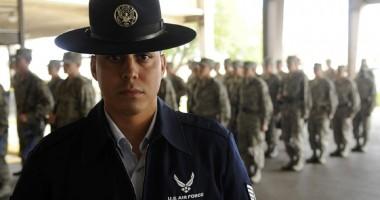 Femei-recrut, violate de instructorii Air Force