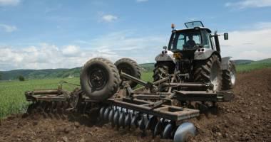 Ajutorul privind poliţele de asigurare din agricultură se solicită până la 31 octombrie