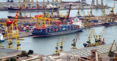Alarmă falsă, de poluare  în portul Constanța