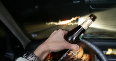 Imagini pentru imagini conduce alcool