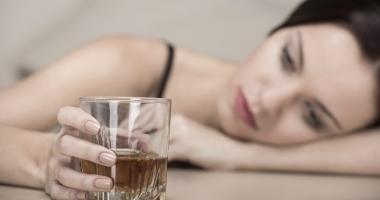 Cum se manifestă alcoorexia şi ce riscuri presupune