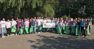 Tinerii din ALDE Constanța au colectat deșeurile  din Parcul Tăbăcărie