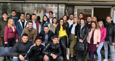 Ziua Mondială a Teatrului, sărbătorită de tinerii din ALDE Constanța