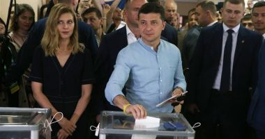 Alegeri parlamentare anticipate în Ucraina. Victorie zdrobitoare a partidului lui Zelenski