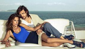 Alessandra Ambrosio, topless în braţele lui Ashton Kutcher
