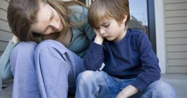 Alocaţii reduse cu 50% pentru 9.000 de copii români
