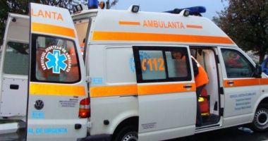 Patru persoane au ajuns la spital după ce au fost lovite de artificii