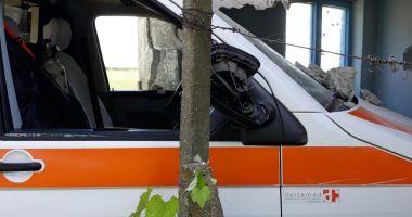 Accident cu ambulanţă, în judeţul Constanţa. Autosanitara a fost avariată