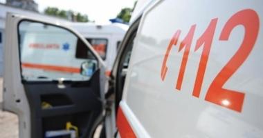 Bărbat accidentat mortal de o mașină, după ce a coborât din autocar