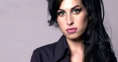 Amy Winehouse va avea statuie. Construcţia va fi inaugurată în 2014, la Londra