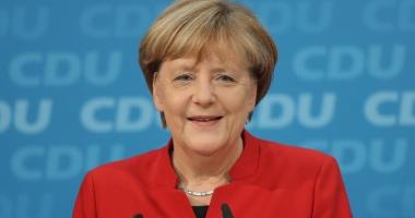 Angela Merkel cere