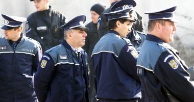 Fără precedent! Poliţiştii, pregătiţi să intre în grevă.