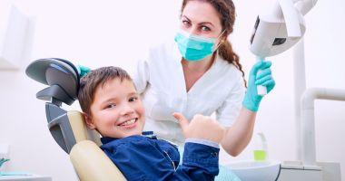 Sfatul medicului - Anomaliile dentare la copii pot fi prevenite prin controale repetate