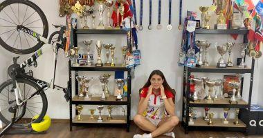 Antoanela Manac are propria cameră plină cu trofee