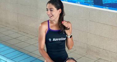 Antoanela Manac, antrenament în bazinul de înot