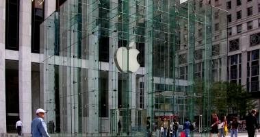 Apple, Google, Intel şi Adobe, acuzate de angajaţi că au evitat racolarea reciprocă de personal