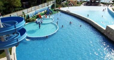 Se deschide cel mai mare aqua park din România
