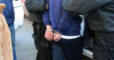 Reținut de procurori după ce ar fi încercat să ofere 5.000 de euro pentru uciderea unui bărbat