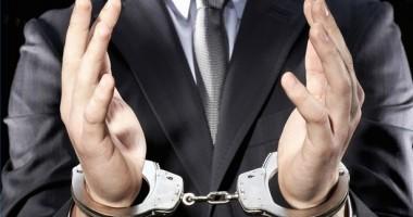 DNA / Trimişi în judecată pentru evaziune fiscală