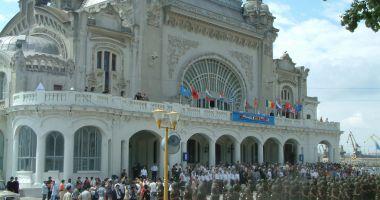 GALERIE FOTO / Militari români la un moment special, Cazinoul nu era ruină…