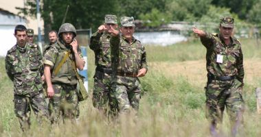 Cât câştigă ofiţerii Armatei Române. Trei motive pentru care să alegi cariera militară