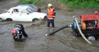 FURTUNĂ şi PLOI TORENȚIALE la CONSTANȚA/ RAJA a activat Comandamentul pentru Situaţii de Urgenţă
